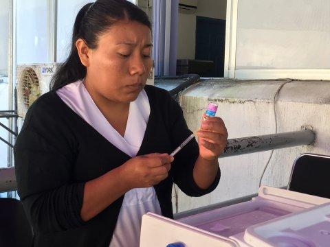 """<a href=""""/Invita-Secretar%C3%ADa-de-Salud-a-vacunarse-contra-la-influenza"""">Invita Secretaría de Salud a vacunarse contra la influenza</a>"""